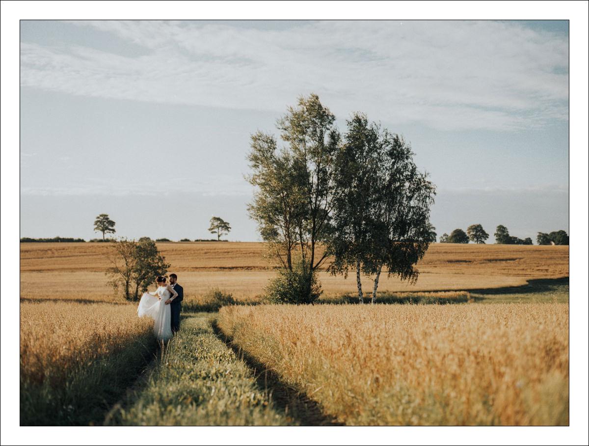 WEDDING STORY ON FILM J & A 23