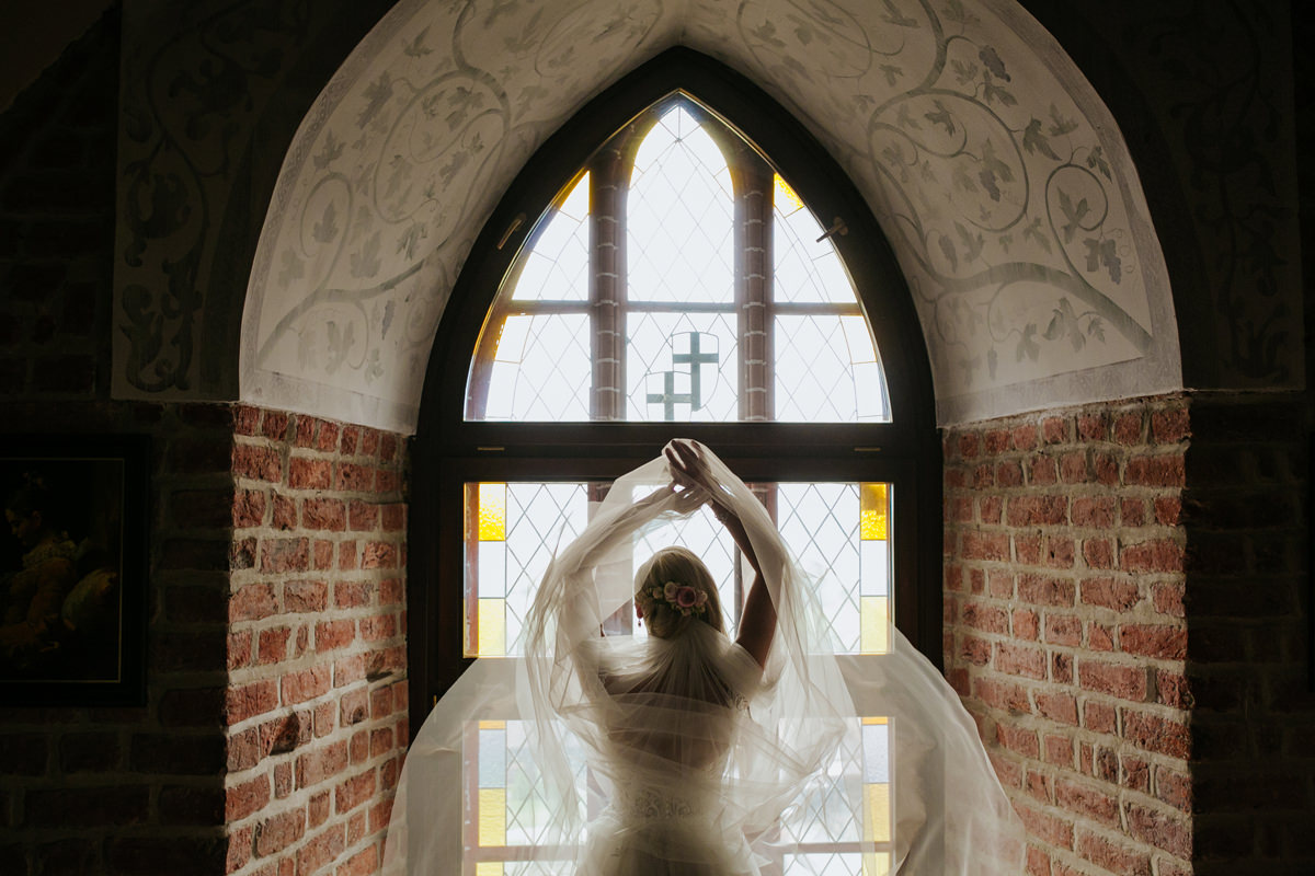 A WEDDING IN GNIEW CASLE 22