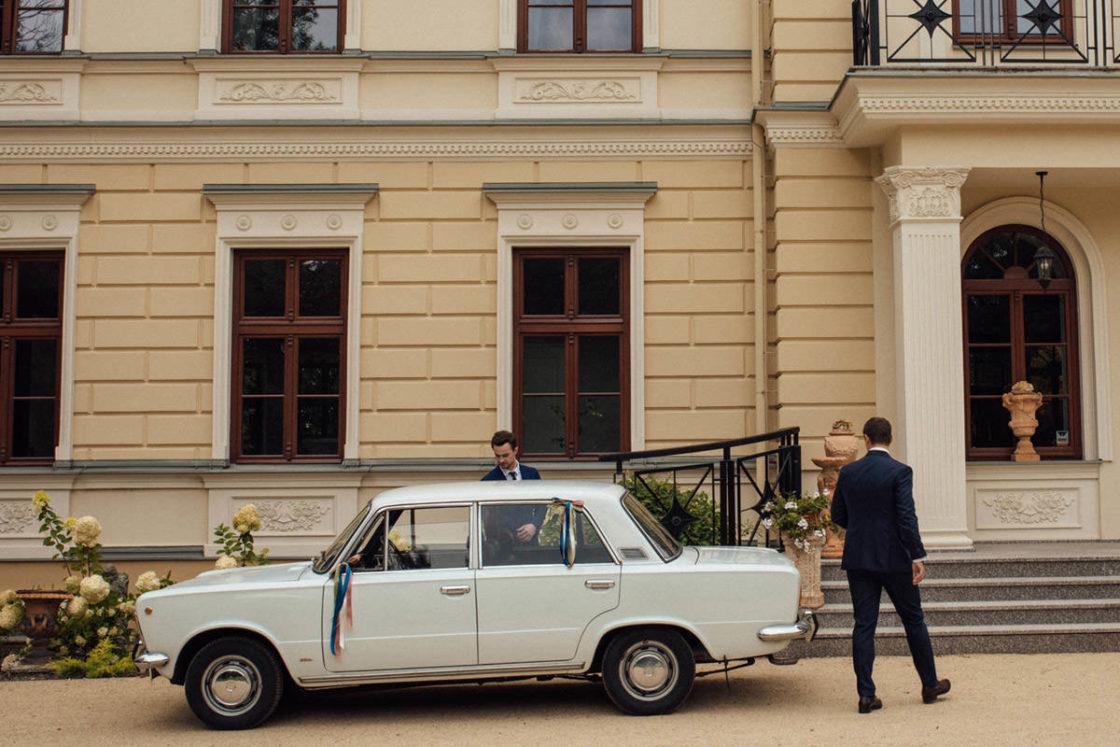 PALACE WIERZBICZANY – A WEDDING IN GNIEWKOWO 3