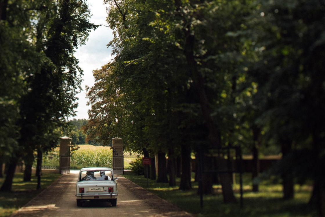 PALACE WIERZBICZANY – A WEDDING IN GNIEWKOWO 15