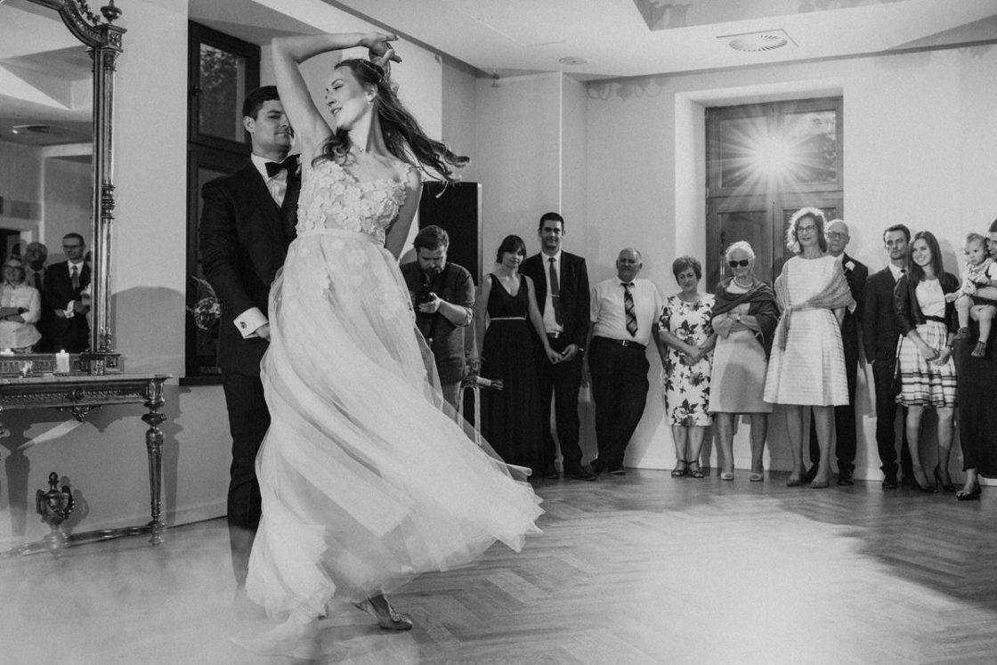 PALACE WIERZBICZANY – A WEDDING IN GNIEWKOWO 36